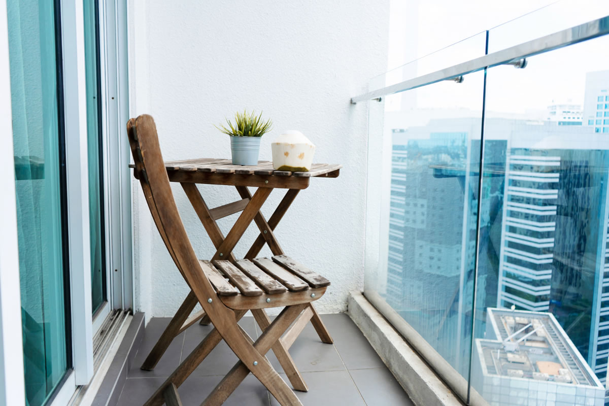 How to Create an Outdoor Oasis on Your Apartment Balcony