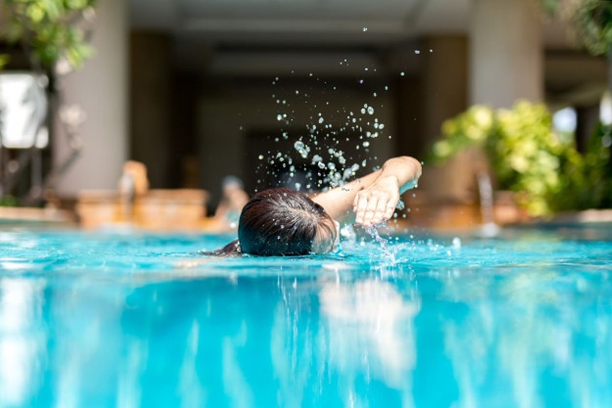 Why Active People Need a Swimming Pool at Their Apartment